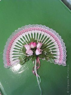 Decorated fan made out of plastic forks cute random for Crafts with plastic spoons and forks