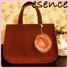 keçe, keçe çanta, felt, felt bag, feltro, yakma çiçek, fabric flower