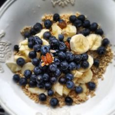 Morning glory #amaranth poppies, #chufas almond powder #sunflower seeds #blueberries #dates #bananas #almond milk #goodlife #healthy_lifestyle #loveyourbody  http://instagram.com/cdalchow