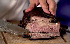 Aprenda a fazer essa costela assada na panela de pressão ou no forno
