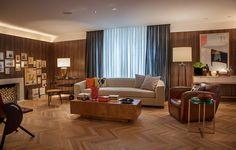 Loft do executivo, de Roberto Negrete - Casa Cor 2014 A madeira, predominante, aquece o ambiente.