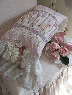 very pretty cushion!: