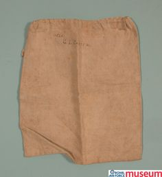 RNAS 'ditty' bag.    The Ditty was a small cotton bag with a drawstring closure. It would have contained a sewing kit, tools and personal items of the owner. This one belonged to 11520 George Lloyd Carter, RNAS.