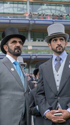 HH Sheikh Mohammed and his family turned out for the famous horse races Princess Haya, Queen And Prince Phillip, Arabic Wedding Dresses, Royal Family Pictures, Handsome Arab Men, Prince Mohammed, Handsome Prince, Royal Prince, My Prince Charming