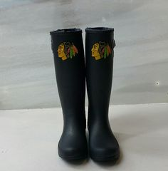 Looking for some new boots? Check out these #Blackhawks Cuce Rain Boots with over the knee socks!