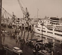 Matkustajalaiva lähtee Eteläsataman Olympialaiturista, Helsinki 1959