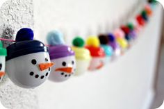 WhiMSy love: Snowmen Advent Garland. This is so fun and will be cute hanging for the holiday even as decor. My niece and nephew will love this.