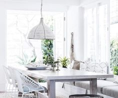 Beach boho: this coastal home nails white-on-white design House By The Sea, House In The Woods, Orient House, Grey Interior Doors, Indian Doors, Mcm House, Interior Design Magazine, Coastal Homes, Beach House Decor