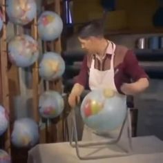 How globes were made in 1955 - Funny,Funny memes,Funny pic,Funny world. Amazing Animals, Wtf Fun Facts, Crazy Facts, Random Facts, The More You Know, History Facts, Art History, Pretty Cool, Mind Blown