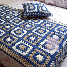 24 New Ideas Crochet Granny Square Bag Pattern Afghans Crochet Afghans, Crochet Bedspread, Crochet Quilt, Crochet Blocks, Crochet Squares, Crochet Stitches, Crochet Square Patterns, Crochet Blanket Patterns, Crochet Crafts