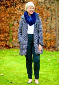 Puffa-jacket-with-fur-scarf.jpg 600×866 pixels