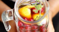 Superfrisse homemade rooibos ijsthee - gebruik een handje ijsklontjes en voeg de rest pas toe tijdens het serveren