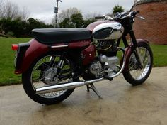 ROYAL ENFIELD CONSTELLATION 1963 700cc  ........ readi-bay.net ........