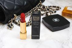 Chanel Rouge Allure Velvet - Rouge Feu #chanelrougeallurevelvet #chanelrougefeu #rougefeu #chanellipstick #lipstick #lippenstift #orangered #orangeredlipstick #chanel #chanelcosmetics #chanelmakeup #chanelbeauty #beautyblogger #beautyblog #anotherkindofbeautyblog #chanelcollectiono1 #chanellimitededition #chanelredcollection