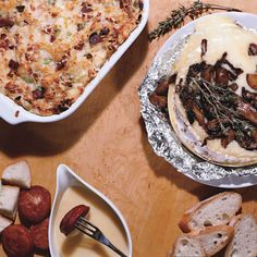 Baked Brie with Mushrooms and Thyme