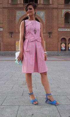 De Tacones y Bolsos: outfit, vestido Rose Mary de Andrea Martínez, bolso de Mareíto de su colección NEVERLAND P/V 2014, pendientes de Joyas de Papel, colgante de AMORA y anillo de El Osito con Zapatos Nuevos.