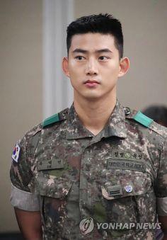 💖 Ok Taecyeon 💖 Hot Korean Guys, Korean Men, Korean Actors, Hot Guys, Ok Taecyeon, All Korean Drama, Chinese Man, Bae Suzy, Men In Uniform