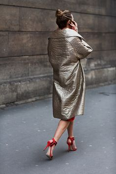"""M2:: Is the coat voluminous or tight? Squint to see the large structures folds first. These generally tell you about fit. Relax your eyes and let more information in. The smaller """"detail"""" wrinkles tell you a bit more about the fabric itself"""