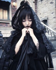 Gothic Lolita Fashion / Black Dress / Kawaii Japanese Fashion Photography / Harajuku / Kiyohari / Cosplay // ♥ More @lDarkWonderland