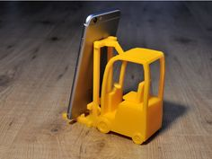 Forklift Phone Stand by AnderssonC - Thingiverse