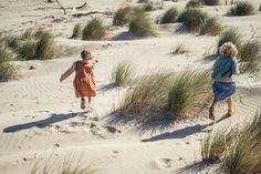 These are the golden days 💛 📷 @giuliegiordi #matona #organicfashion #slowfashion #ethicalbrand #fairfashion #slowfashionmovement #ethicallymade #lessismore #beach #goldendays