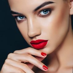 #mattelipsticks tend to have the strongest colour pigments and vibrancy.  They also generally have longer staying power than a #lipgloss or #creamlipstick.  Our #celebritymakeupartist @mathias4makeup suggests you pair down the rest of the #face with subdued #makeup to really allow the #lips to remain the #hero of your #makeup. Try @lilylolouk #mineralmakeup #cheekduo in #Coralista for a radiant finish.  Try @cailynmakeup Matte Lipstick Biteable or @girlactik in Iconic for this bold red…