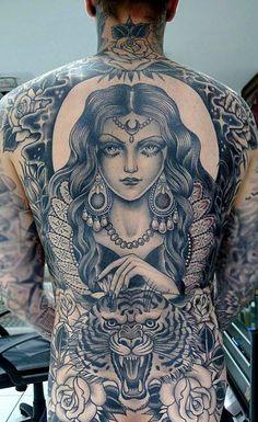 misstinyterror:  leesamay-tattoo-blog:  Valerie Vargas   Bad as fuck