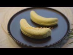 카라멜크림을 넣은 달콤한 바나나 설기 레시피 Korea steamed rice cake - YouTube Banana And Rice, Rice Cakes, Baking, Fruit, Cupcake, Recipes, Food, Youtube, Bakken