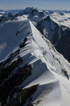 radivs:  'Glacier Peak and the NE Ridge of Douglas' by Ruahine Tramper