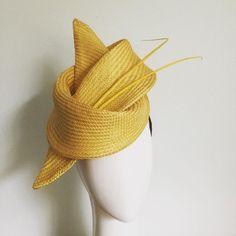 Yellow Banany. Because it's not a banana! 🍌 🍌🍌🍌🍌🍌🍌🍌🍌🍌 #racewear #millinery #yellow #sunshine #melbournefashion #creative #designer Race Day Fashion, Diy Fashion, Millinery Hats, Fascinator Hats, Emo Jewelry, How To Make Fascinators, Race Wear, Stylish Hats, Cocktail Hat