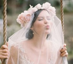 7 Ways to Wear a Floral Crown - StrictlyWeddings.com Blog