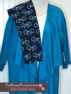 Loving this one! #TC2 Bike Leggings paired with a 3XL solid white #Lynnae and topped with a silky blue Large #Shirley!  If you like my styling, be sure to head over to my Facebook group (https://www.facebook.com/groups/lulasbythelake), join and request an outfit to be styled just for you!  #lularoe #lularoeleggings #lularoetc2 #tc2 #leggings #lularoelynnae #lularoeshirley #simplycomfortable #lulabylake #pinkcamoprincess    #lularoestephanierandall