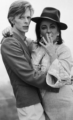 """David Bowie and Elizabeth Taylor (Los Angeles. * photo by Terry O""""Neill Angela Bowie, David Bowie, Elizabeth Taylor, Duncan Jones, Foto Face, Terry O Neill, Photo Star, Movies And Series, Culture Pop"""