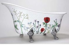 100 Terrifically Relaxing Tubs - From Bedazzled Diamond Baths to High Heeled Soakers (CLUSTER)