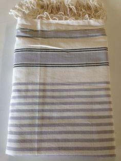 Maxi Fouta gris - Crudo 2 Tamaños: - 2m*2m   - 3m*2m Pr. lanzamiento: 2m*2m: 20€ - 3m*2m: 23€ Sólo hasta el 24 de noviembre de 2014 Towel, Couch Slip Covers, Bed Feet, November, Tablecloths, Tejidos, Towels