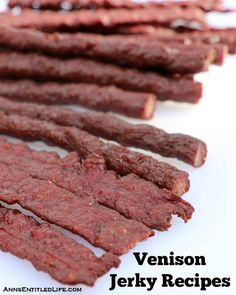 Recipes for making venison jerky (deer meat jerky) with step by step instructions.or maybe grass fed beef jerky? Smoker Jerky Recipes, Venison Jerky Recipe, Venison Recipes, Venison Sticks Recipe, Roast Brisket, Beef Tenderloin, Venison Jerky Seasoning Recipe, Pork Roast, Beef Jerky