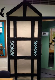 The great fire of London! Year 2 Classroom, Classroom Door Displays, School Displays, Classroom Design, Art Classroom, Classroom Ideas, The Fire Of London, Role Play Areas, Homework Ideas