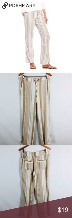 "PER SE Linen Blend Striped Pants PER SE  Size Medium  Total Length 39""  Waist 16""  Inseam 31.5""  Pre Owned Great Shape No Holes Stains or Fading  Elastic Waist, Drawstring Linen Blend  Pet Free Smoke Free  T Per Se Pants"