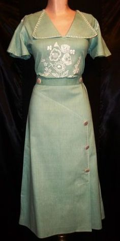 1930s linen dress | eBay. Looks like the perfect summer dress. // Love the color and the embroidery on this dress!