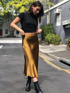 8c1085e72 15 Best Stylish, on-trend work wear inspiration images in 2019