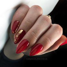 uñas doradas y rojo - Nails Xmas Nails, Christmas Nails, Red And Gold Nails, Nagellack Design, City Nails, Red Acrylic Nails, Nail Polish, Nagel Gel, Perfect Nails