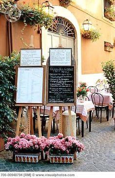 Italian Sidewalk Cafe in Rome Italy Italian Bistro, Italian Cafe, Italian Party, Italian Style, Italian Restaurant Decor, Restaurant Design, Italy Restaurant, Restaurant Branding, Restaurant Ideas
