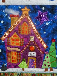 Welcome to the North Pole Quilt 2014 - Mr & Mrs Claus House ! Piece O' Cake Designs. https://www.pinterest.com/pieceocake/christmas-quilts-show-tell/
