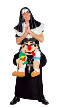 Pfarrer trägt Nonne - Carry Me Kostüm lustige Idee