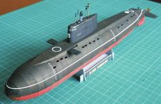 This paper model is Yaroslavl, one of the Russian Kilo class submarine, a Project 877 diesel electric submarine, the papercraft is created by Barthol Submarine Craft, Ship Craft, Free Paper Models, 3d Cnc, Paper Ship, Paper Magic, Model Train Layouts, Paper Plane, Paper Toys