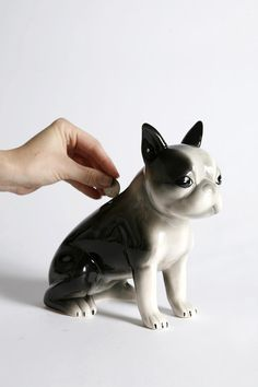 George The Terrier Bank @Valerie Brough, I think Kingston needs this in his room! Cutest thing, just like Roxy