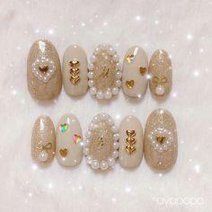 Nail Art Rhinestones, Rhinestone Nails, Bling Nails, Swag Nails, Glitter Nails, Art Deco Nails, Gem Nails, Stiletto Nail Art, Japanese Nail Art