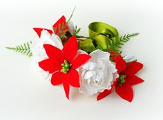 Cute Christmas dog collar with poinsettia flowers   Collars are made of high quality leather.  Our flowers are made of foamiran, one hundred percent handmade; therefore each product is unique itself.  This material • clean. • non-toxic. • Environmentally friendly.   We have leashes to suit to each collar.  Write us as soon as possible and we create special design for your pet.  ---Material: leather collar,foamiran flowers---fabric flowers   Size:  Small: 20 - 28 cm (9-11)  Medium: 30 - 39 cm…