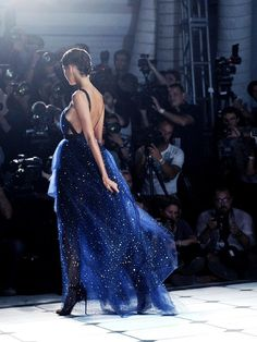 Imagen vía We Heart It https://weheartit.com/entry/159339916/via/13097657 #blue #dress #fashion #gorgeous #gown #jasonwu #nyfw #runway #sparkly #ss13