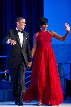 Inspirações para mães dos noivos | Michelle Obama #vestidosmãesdosnoivos #mãedosnoivos #mãedenoivos #casamento #vestidos #vestidosdefesta